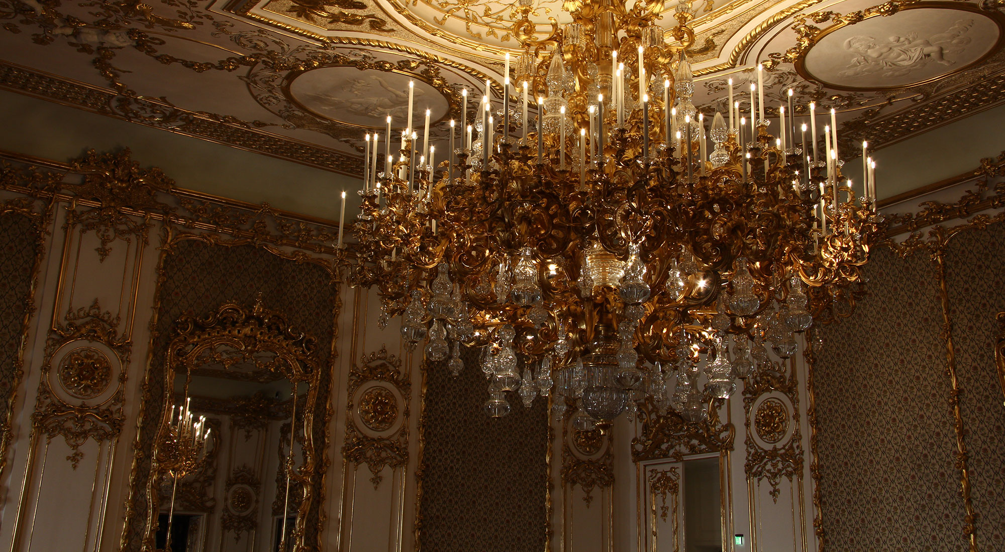 Monumental chandelier restored by Lobmeyr at Liechtenstein palace